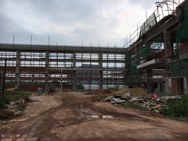 常平镇5500平方全新钢构独院厂房出租滴水8米高。