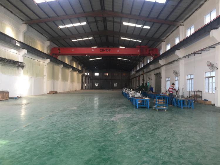 浮岗村,一楼钢构5200平,滴水8米,带20吨行车,近高速