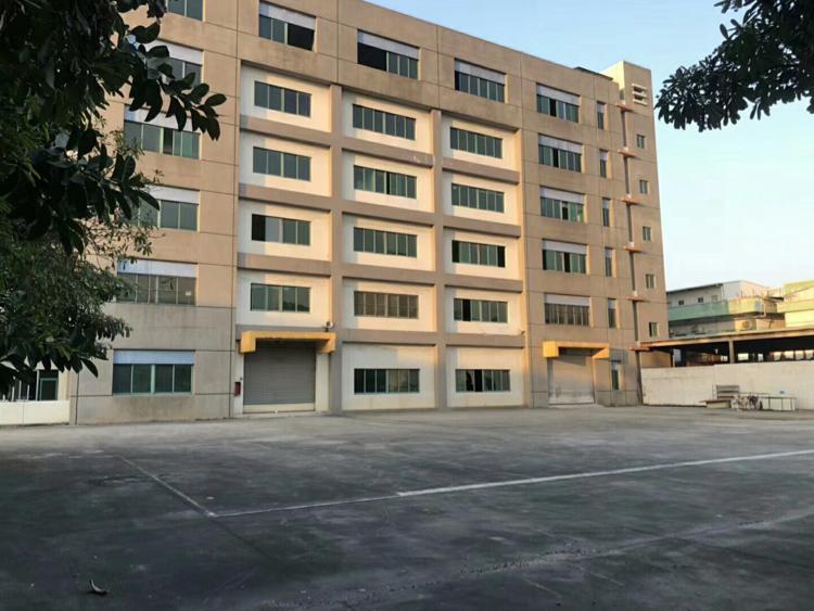 清溪新出楼上标准厂房,带现成办公室,地坪漆