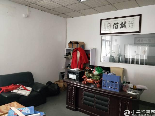 福永凤凰客运站旁新出楼上300平带装修厂房