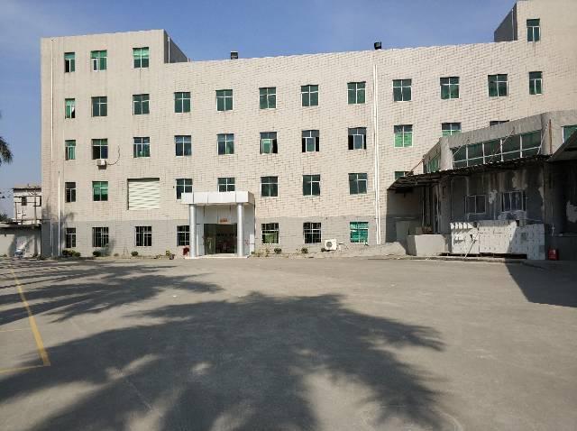 龙岗区宝龙工业区全新厂房现空出三楼1300平报价仅13
