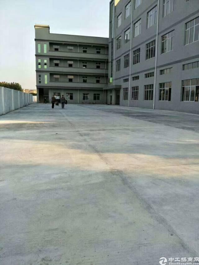 黄江靠深圳公明全新厂房独门独院4层  总面积8000