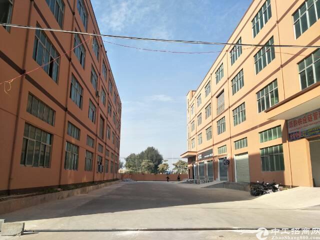 福永凤凰107国道边楼上1200平米精装修厂房出租
