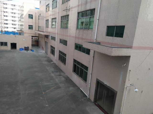 石岩新出经典小独院厂房1-3层6000平方