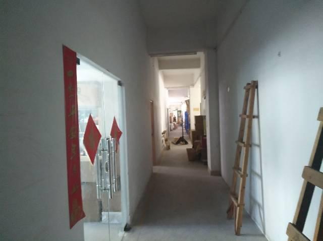坂田杨美地铁站附近新出890平米厂房出租-图2
