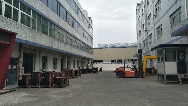 坪山1200平独院标准厂房带装修空地超大可分租
