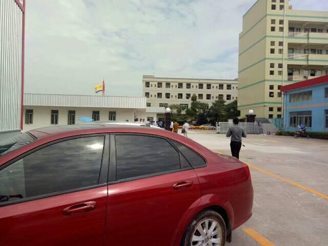 黄江镇靠公明新出砖墙到顶9米厂房出租