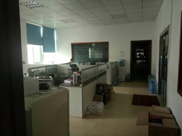 华南城旁边厂房改写字楼办公室450平米租