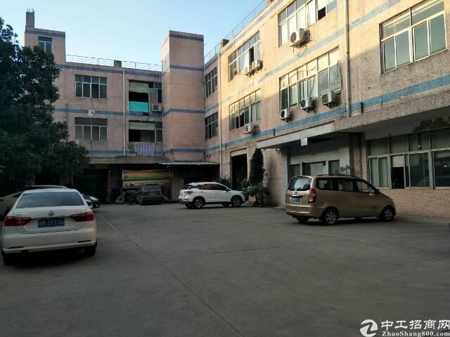 公明镇东坑村楼上500平方精装修厂房出租