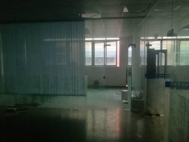 公明根玉路边大型园区楼上厂房2000平米-图4