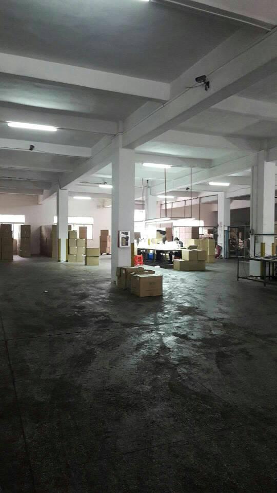 标准一楼厂房出租,厂房1300平,办公宿舍300
