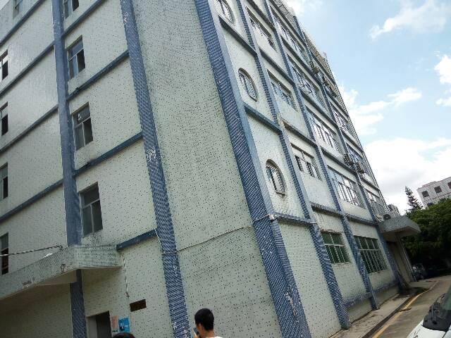 平湖新出一楼标准厂房1000平米对外出租