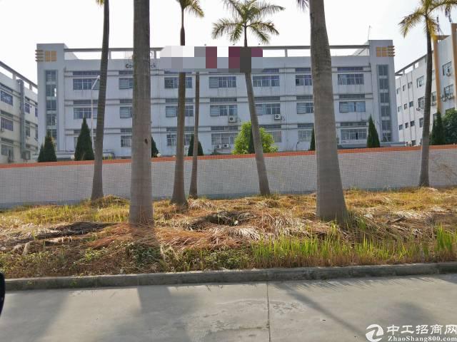南光高速出口附近花园式独院带红本9000平米