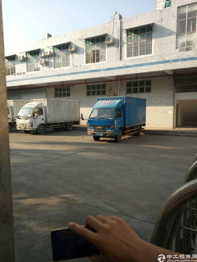 平湖鹅公岭工业区原房东一二楼2200平方米厂房招租
