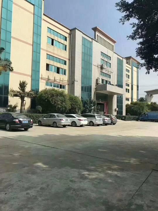 福永107国道带装修整层1800平米厂房出租