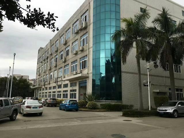 横岗新出一楼厂房900平方,水电到位,带装修,价格便宜,地铁