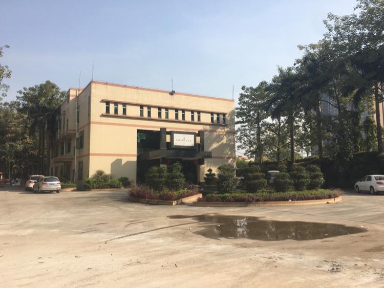 松岗沃尔玛后面独门独院8000平方红本厂房招租