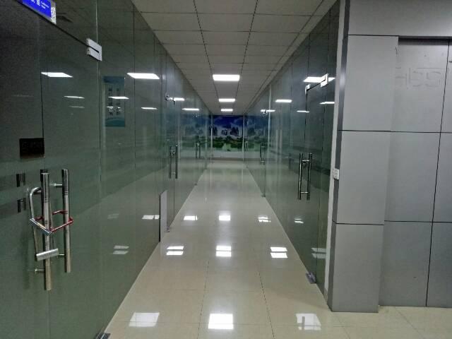 观澜福民新出586平精装修写字楼出租