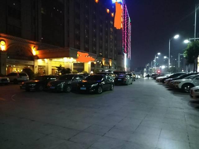 坂田酒店9600平方转让
