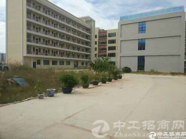 松岗车站附近新出楼上厂房300平方米带装修原房东无公摊15