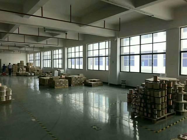 公明中心新出豪华装修厂房2500平米-图2