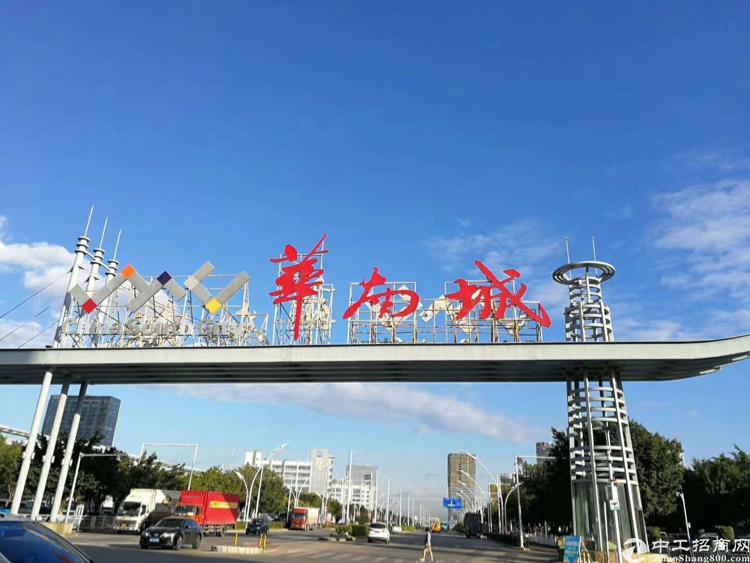 平吉大道高速路口8700平方米带装修独院厂房可分租