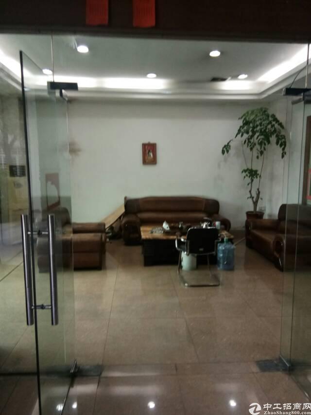 厚街镇汀山村单一层仓库出租2000方