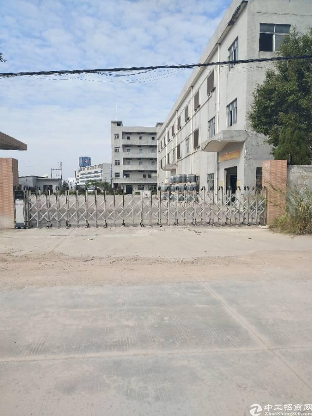 谢岗镇原房东独栋厂房1到3层5000平米12元出租