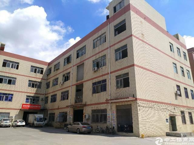 平湖华南城旁边楼上620平方整层带电梯厂房出租
