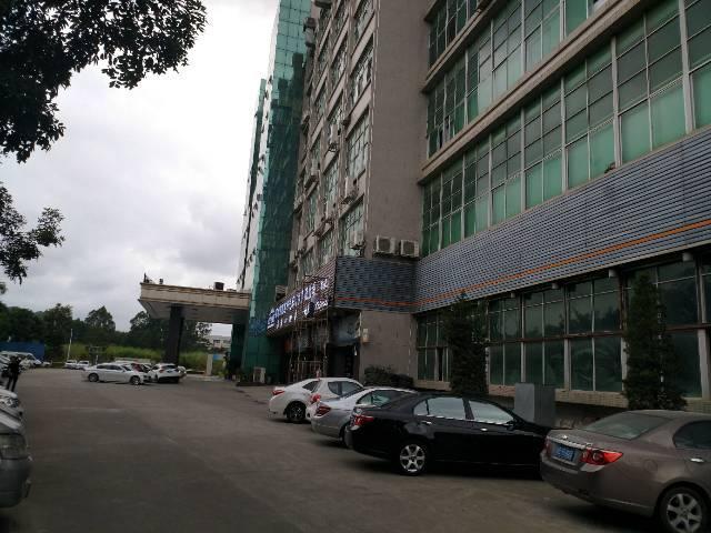 深圳市龙岗区平湖高新科技园红本厂房对外出租