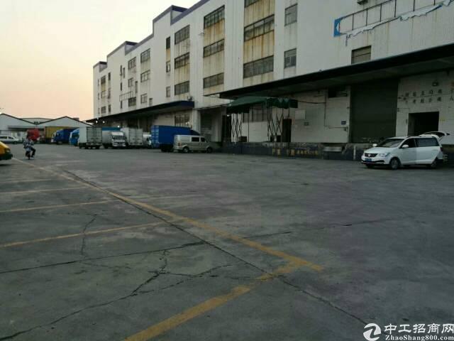 布吉坂田新出一楼带卸货平台2600平方厂房-图6