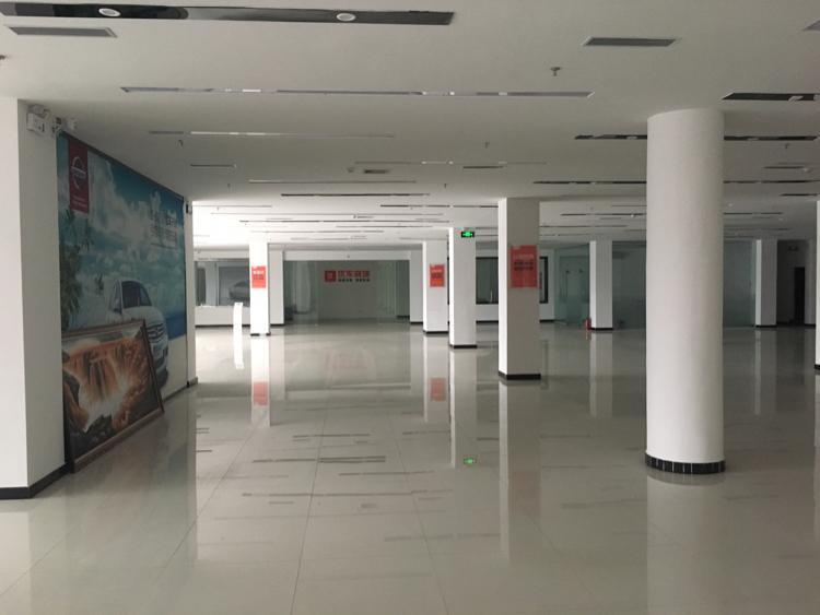 塘厦莲湖大型工业区超豪华装修厂房面积5400平
