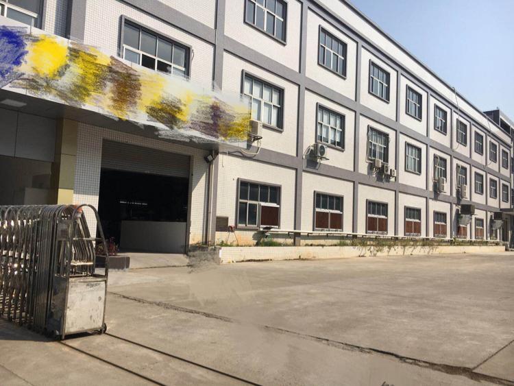 实业客分租楼上1200㎡,有地坪漆,全新装修带办公室