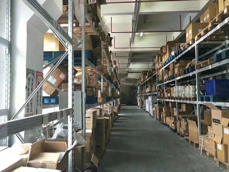 横岗四联工业园区一楼5.5米高2000平米厂房出租