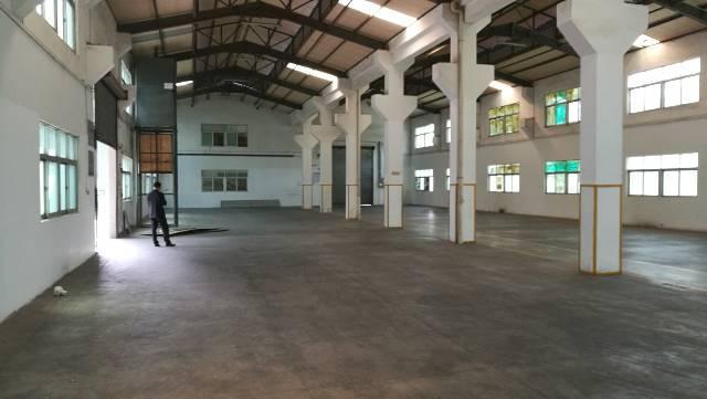 东莞市凤岗镇带牛角的单一层重工业厂房