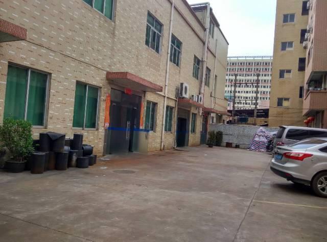 怀德3000方标准2层楼独院出租18块。