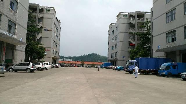 龙岗宝龙高薪科技园三楼1680平出租