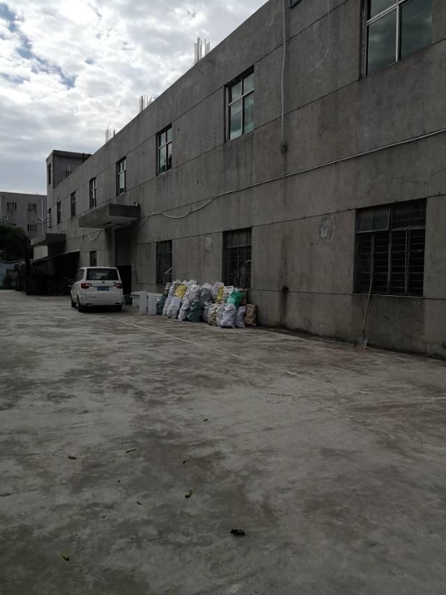 平湖新木村一楼1360平方厂房招租