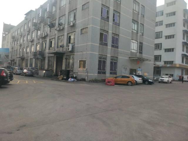 公明大型工业园带红本一二楼3680平方厂房出租