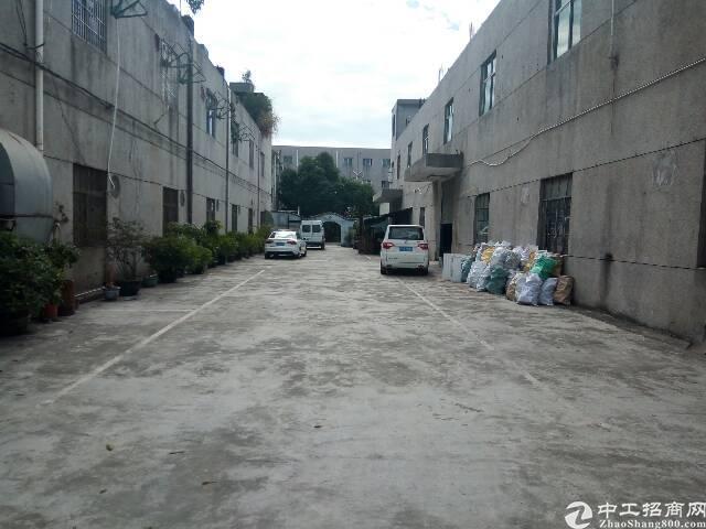 平湖华南城边上新出经典小独院2600平米现对外招租