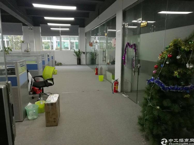 龙华地铁口边楼上带装修800平厂房招租-图7