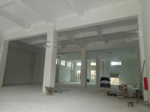 独栋3层厂房2100平方出租,带电梯