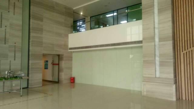 寮步新出标准厂房1楼8米高带牛角行车低价出租