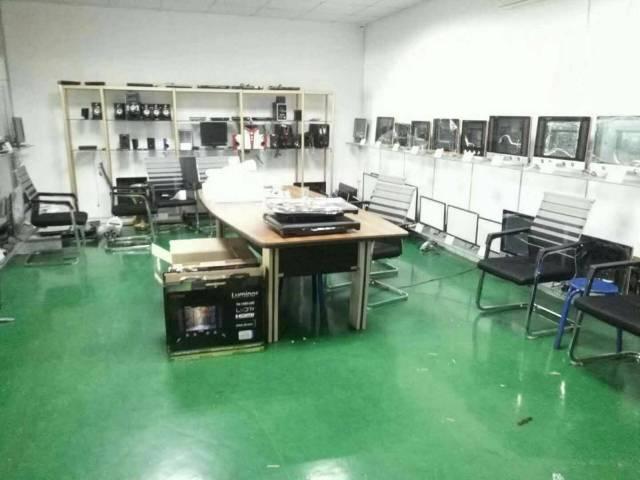 平湖辅城坳工业区楼上500平全新地坪漆厂房出租-图5