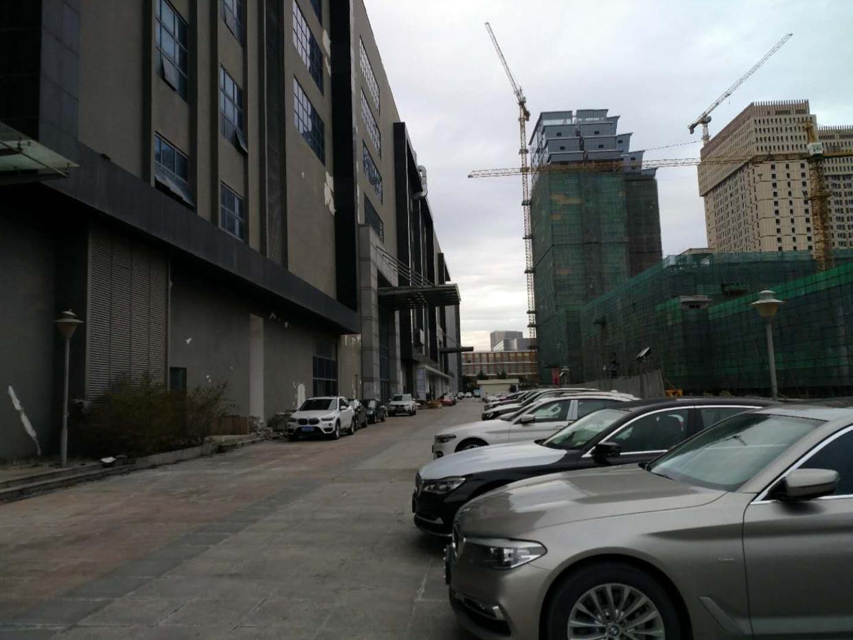 布吉高速出口全新红本厂房1-7层112000平方可以分租-图2