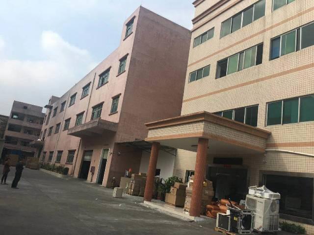 平湖辅城坳工业区楼上500平全新地坪漆厂房出租