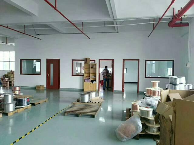 公明大型工业园新出楼上整层带装修厂房出租-图3