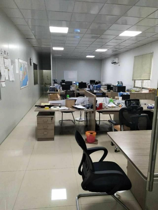 带行车钢构厂房出租面积500方,精装办公室水电线路齐全
