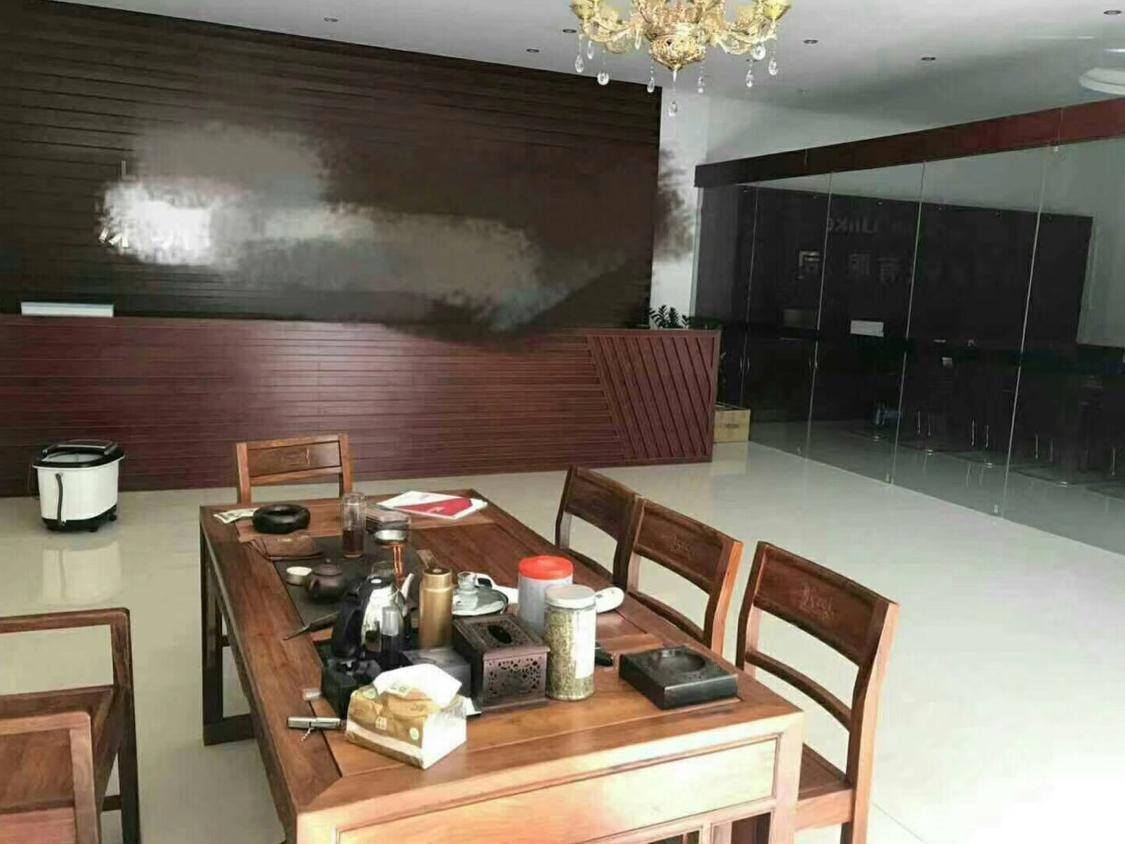 松岗新出一楼六米高1500平带精装修厂房-图2