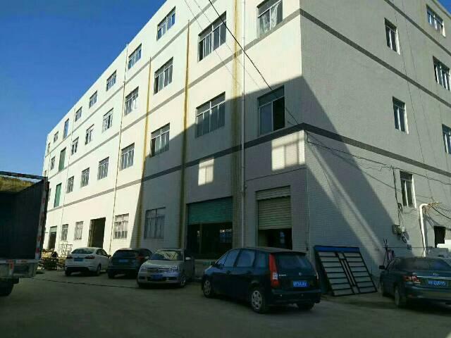 平湖华南城上木古工业区楼上带装修800平方米厂房招租